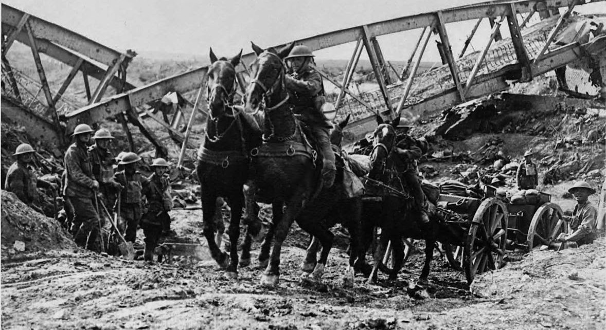 Image: Horse drawn artillery wagon, Battle of the Canal du Nord; Source: http://bit.ly/1jxMF0n